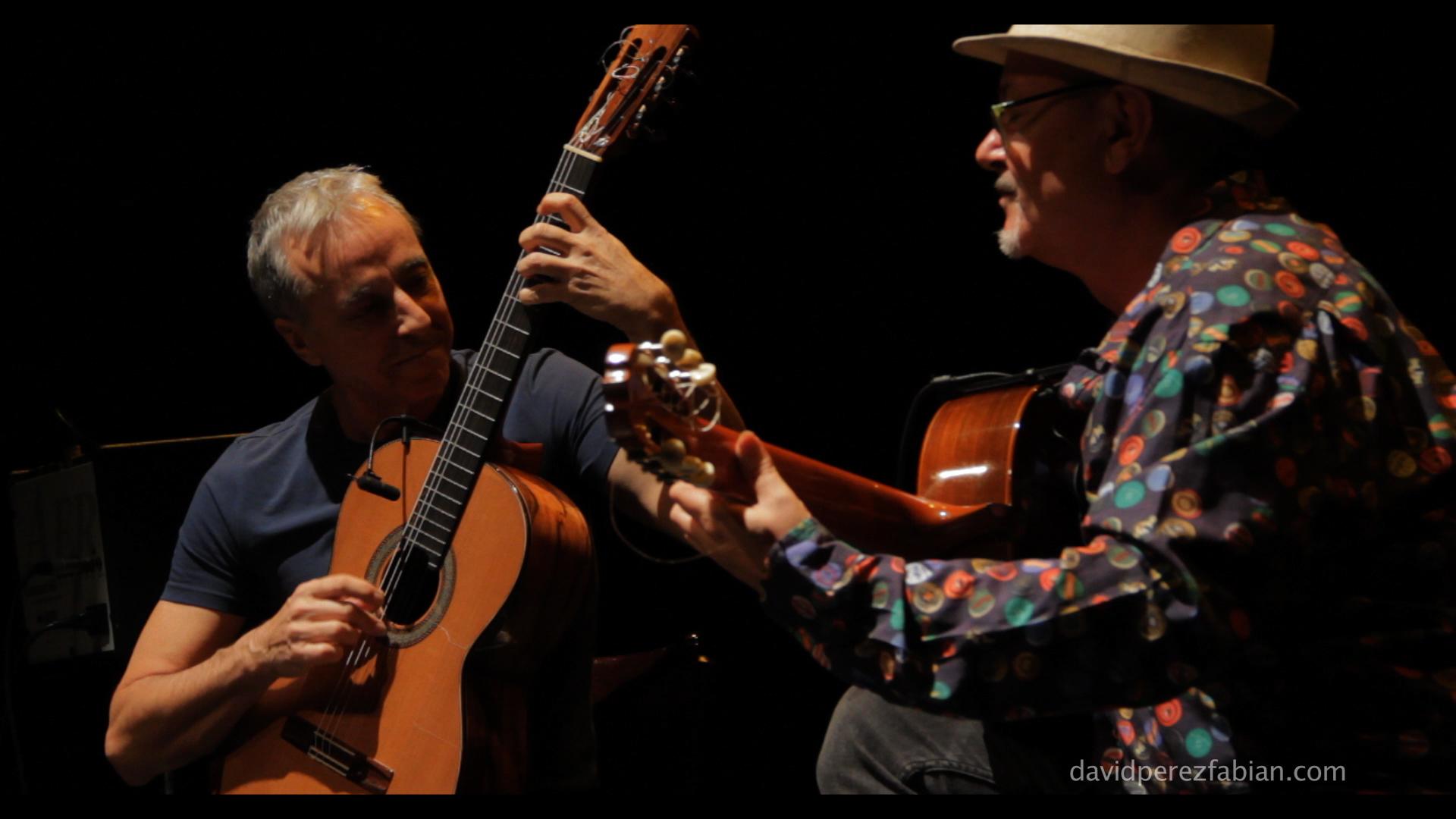 Los guitarristas Fernando Egozcue y José Luis Montón